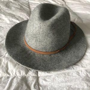 Accessories - Felt floppy brim hat